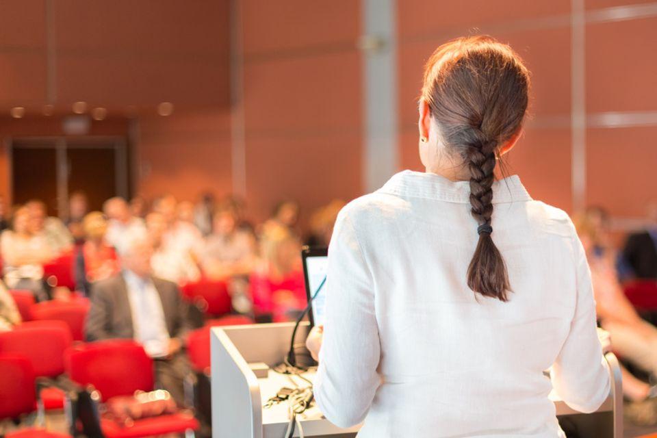 Studie: Dozentinnen werden schlechter bewertet