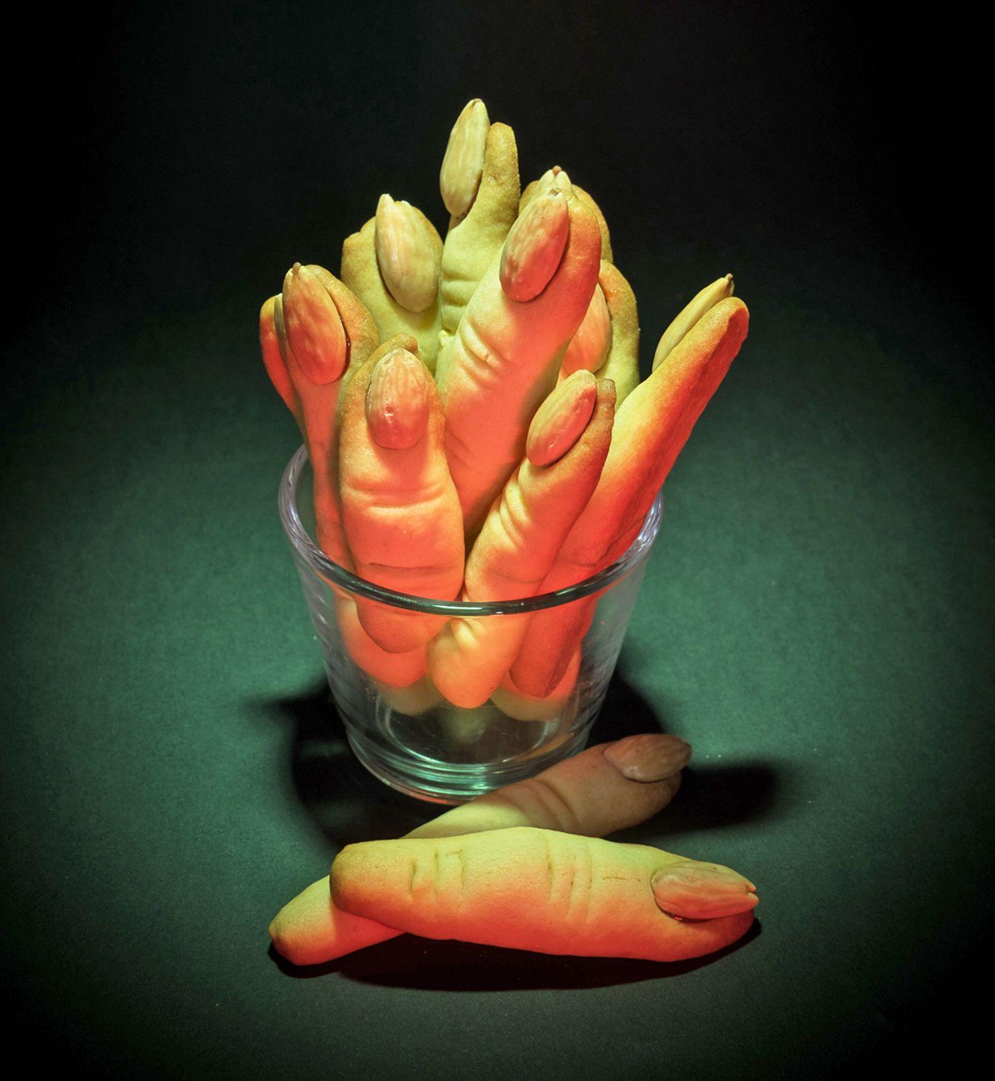 Halloween Rezepte Finger.Hexenfinger Aus Keksteig Halloween Rezept Geolino