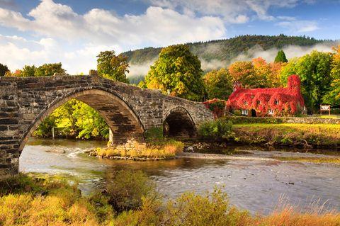 Ty Hwnt i'r Bont, Conwy, Wales