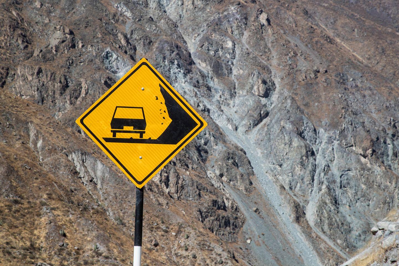 Straßenschild in Peru