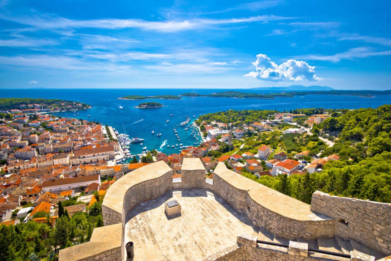 Hvar vor der Küste von Kroatien