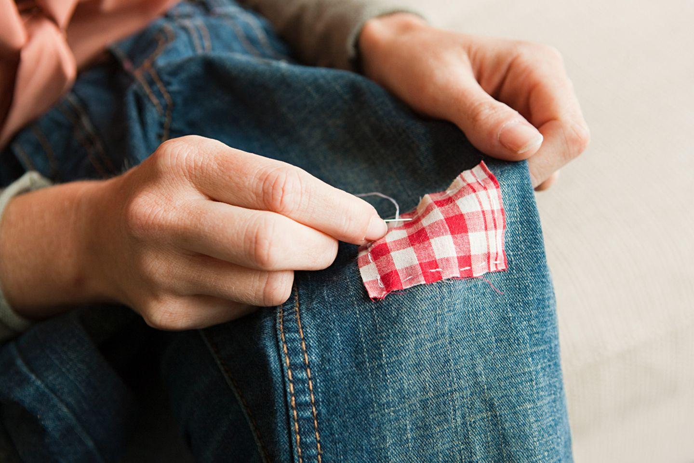 Kleidung ausbessern