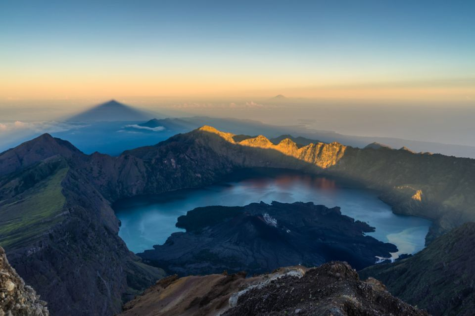 Blick vom Mount Rinjani auf Lombok