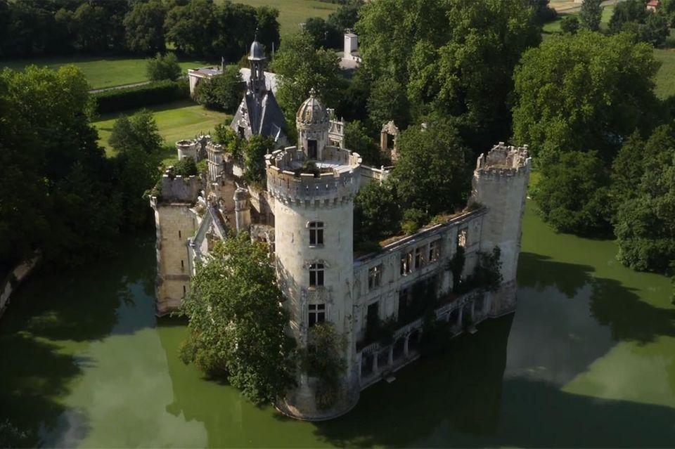 Wasserschloss La Mothe-Chandeniers