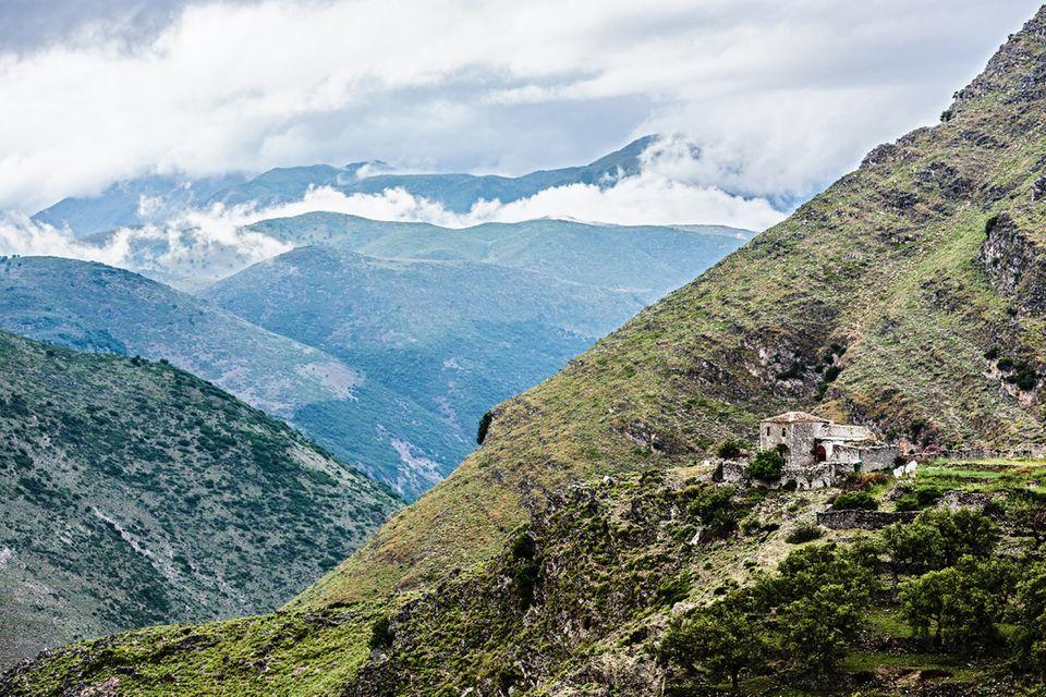 Albanien, Pilur