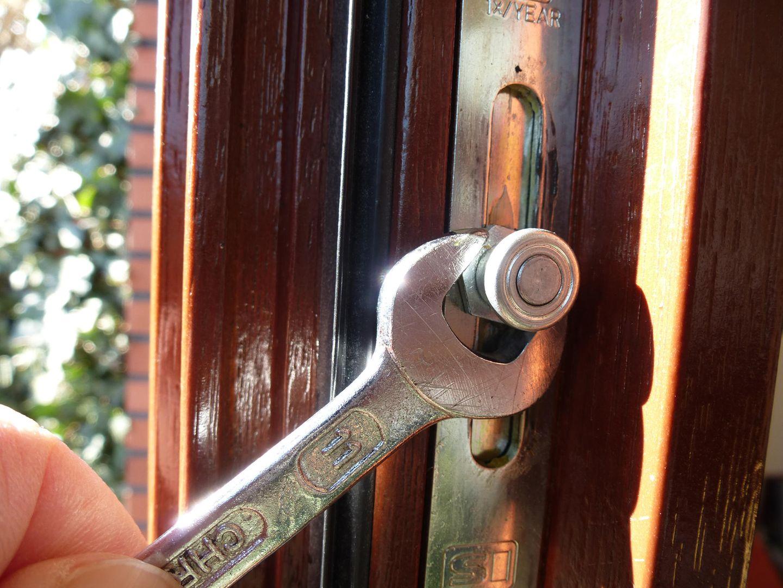 Fenster-Anpressdruck einstellen