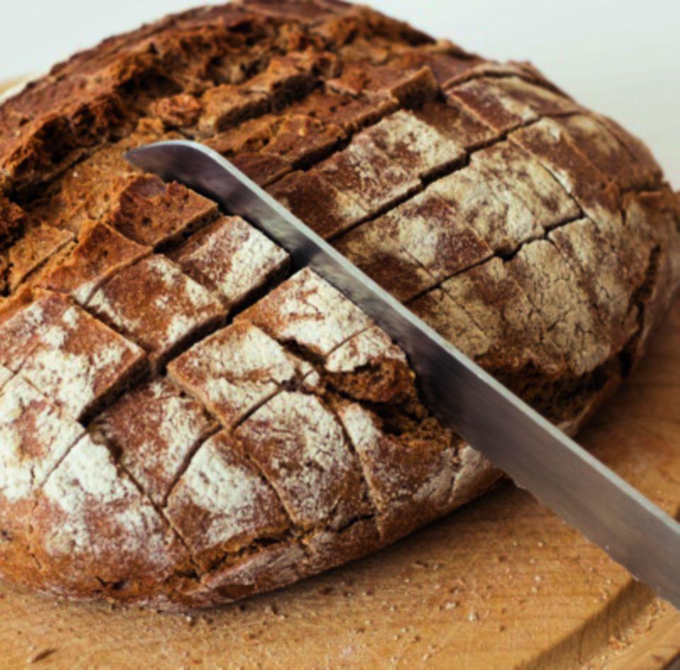 Gittermuster im Brot