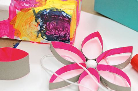 Blume aus Tonpapier