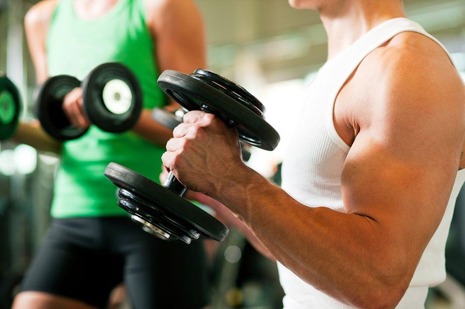 Muskelaufbau mit Gewichten
