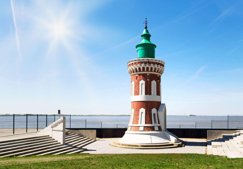 Leuchtturm Kaiserschleuse Pingelturm