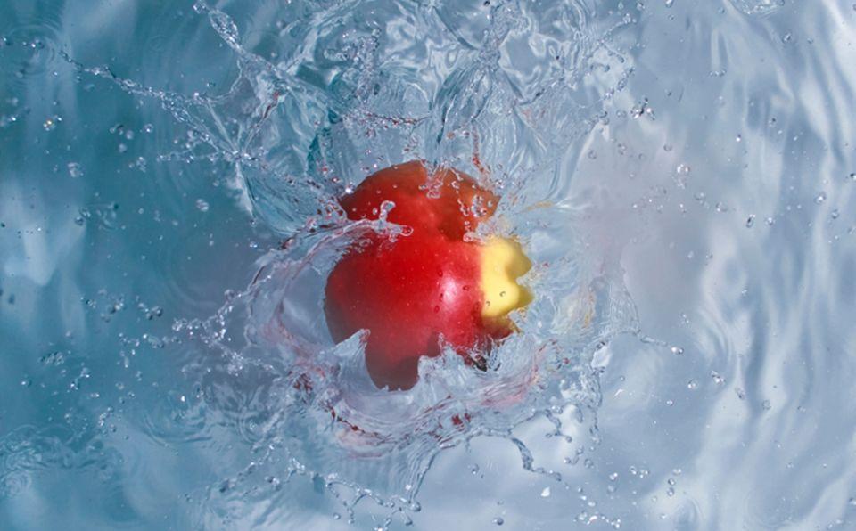 Apfel in Wasser