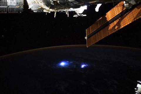 Gewitter auf der Erde, von der ISS fotografiert