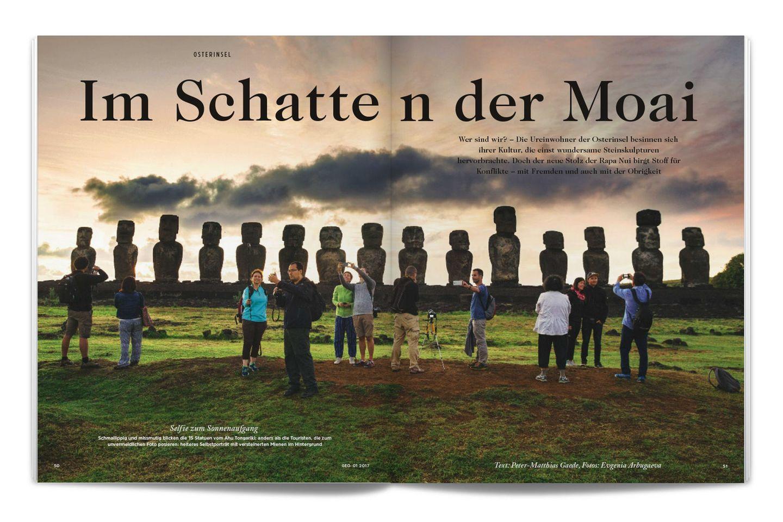 Osterinsel: Schmallippig und missmutig blicken die Moai-Statuen; anders als die Touristen, die zum unvermeidlichen Foto posieren