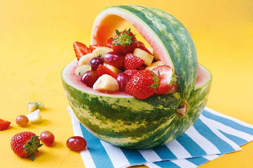 Melonen-Korb mit Salat