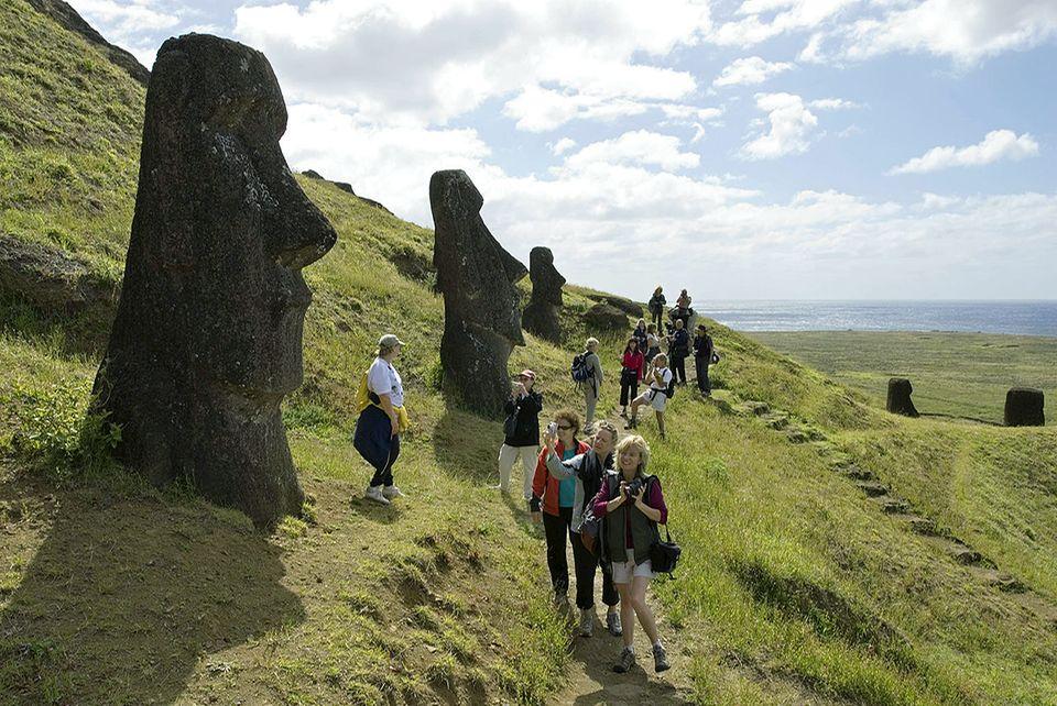 Osterinseln, Moai, Touristen