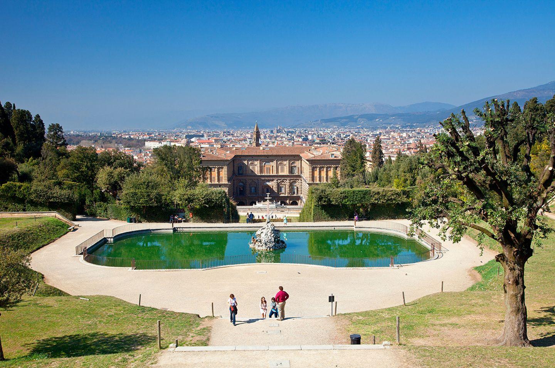 Italien: Die Boboli-Gärten lassen neben Kunst auch einen tollen Panorama-Blick über die Dächer von Florenz zu