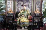 Cixi, Konkubine des chinesischen Kaisers Xianfeng, übernimmt nach dessen Tod im Jahr 1861 die Macht über das Reich.