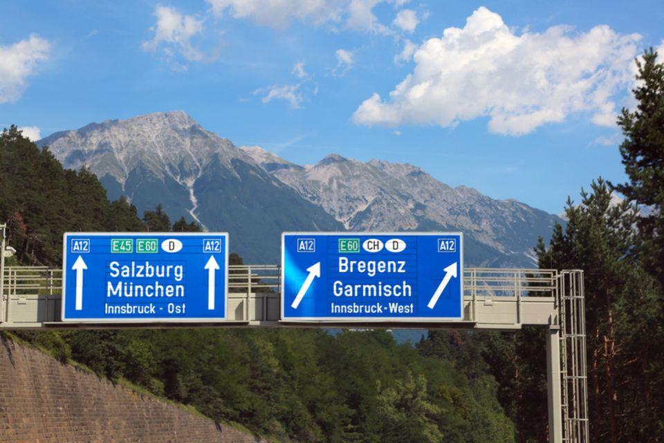 Foto: ChiccoDodiFC/Fotolia, Grenzübergang, Deutschland - Österreich