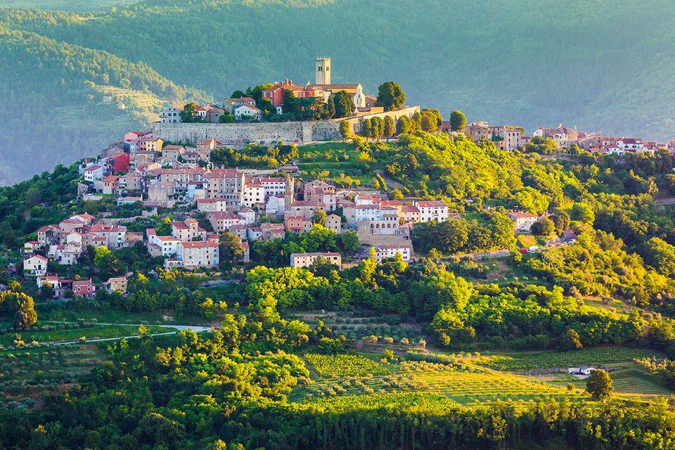 Die kleine Stadt Motovun in Kroatien