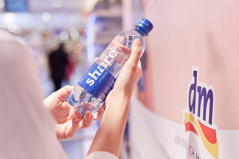 Share-Mineralwasser im dm-Markt