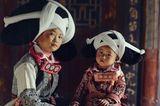 Der Kopfschmuck der Langhorn-Miao-Frauen im Süden Chinas erinnert an das Gehörn von Wasserbüffeln