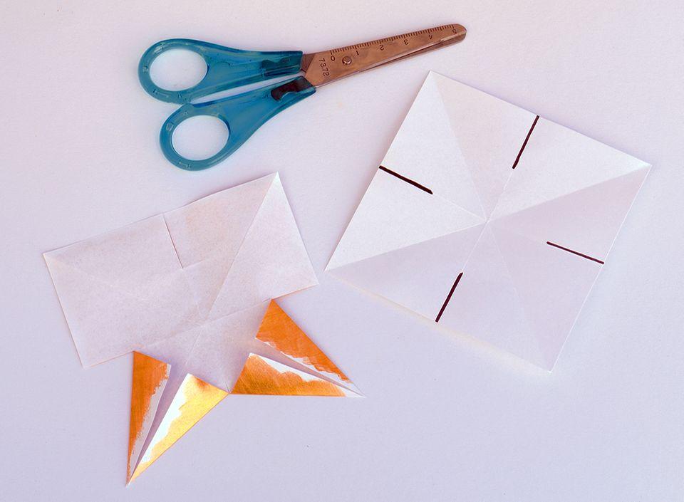 Weihnachtssterne basteln aus Papier