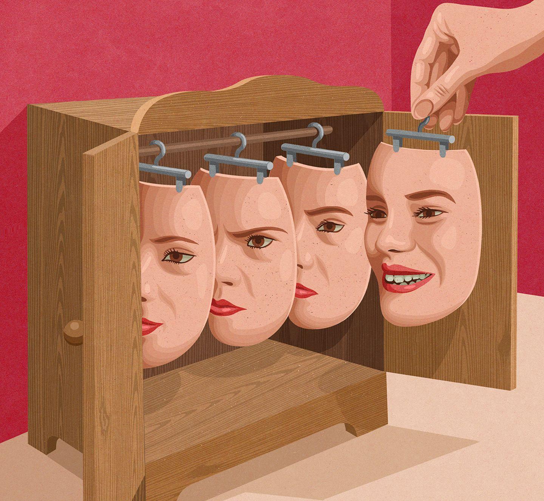 Frau sucht eine Mimik-Gesichtsmaske aus dem Schrank