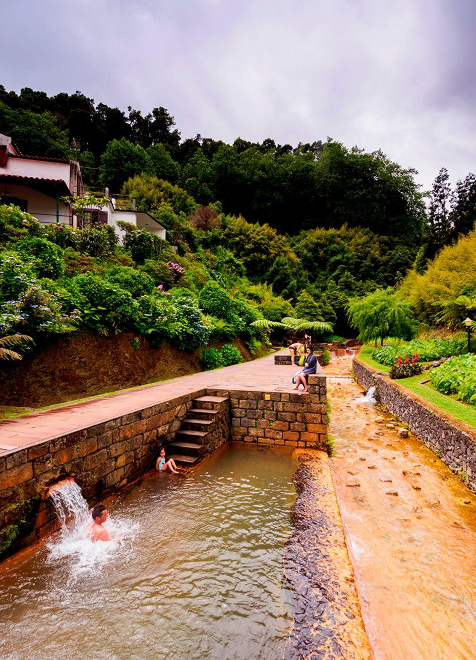 Heiße Quelle Poca da Dona Beija, Furnas, Sao Miguel Island, Azores, Portugal