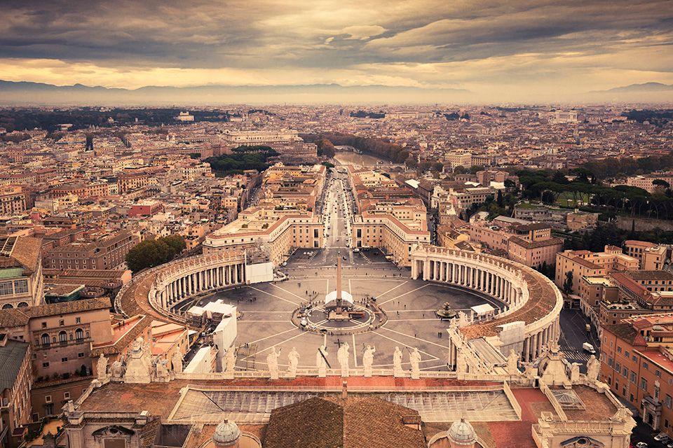 Blick vom Petersdom auf Rom