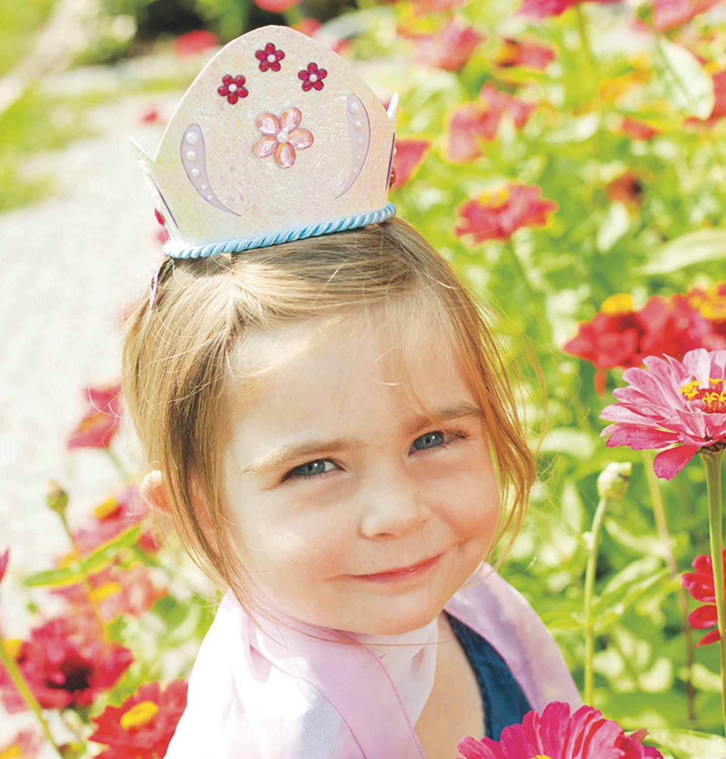 Krone basteln für Prinzessinnen