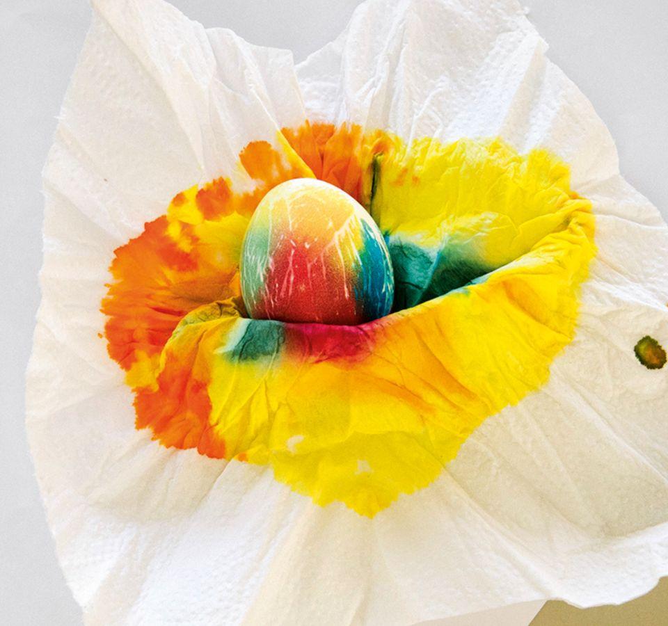 Bunt gefärbtes Ei