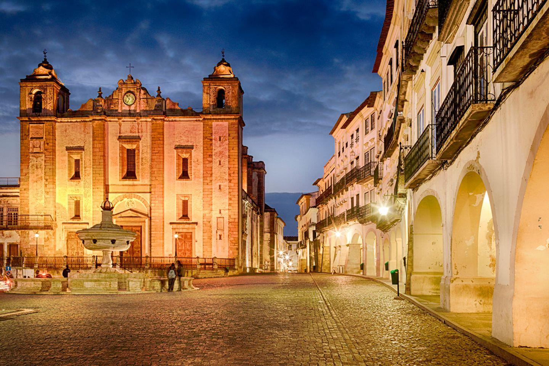 Praça do Giraldo, Evora