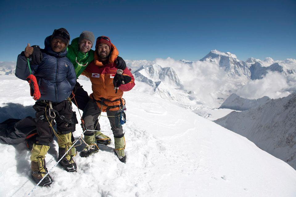 GEO-Expeditionsreporter Lars Abromeit am Gipfel des Himlung Himal