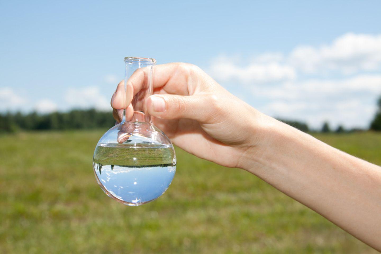 Wasser im Reagenzglas