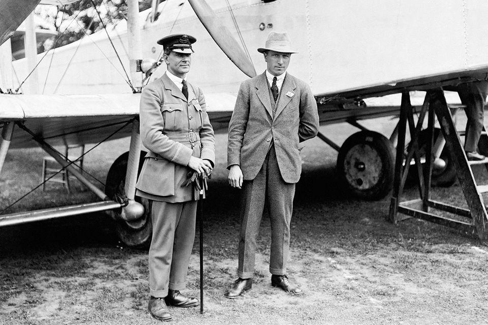 John Alcock und Arthur Whitton Brown