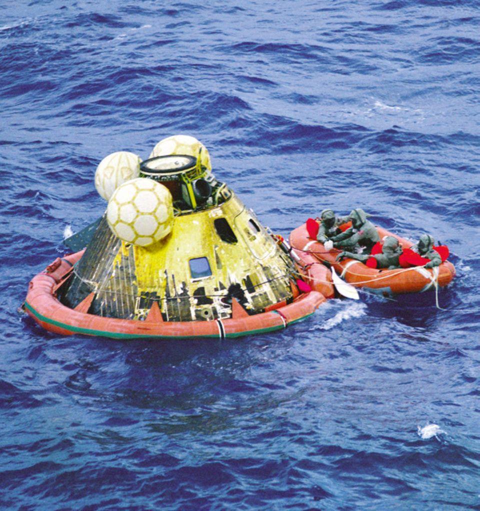 Rückkehr zur Erde nach der Mondlandung