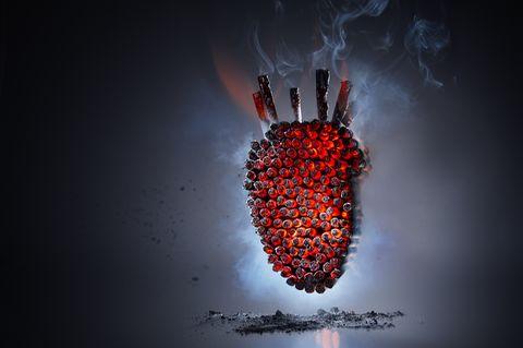 Herz aus Zigaretten