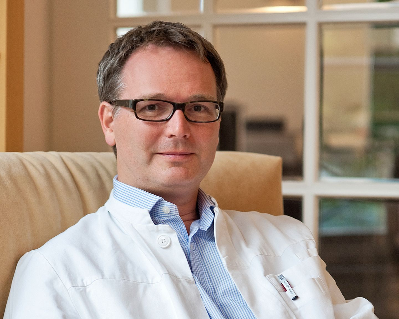 Dr. Gunter Frank