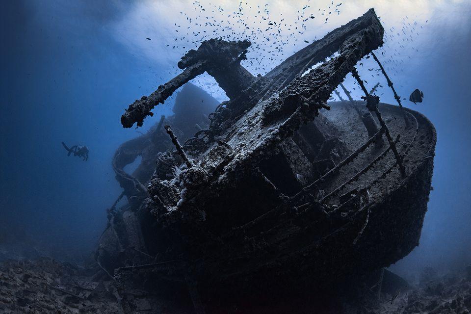 Schiffswrack in der Tiefsee