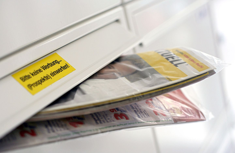 """Eine gratis Werbezeitung """"Einkauf Aktuell"""" der Post"""