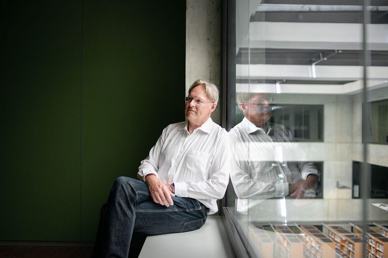 Professor Hansjörg Znoj