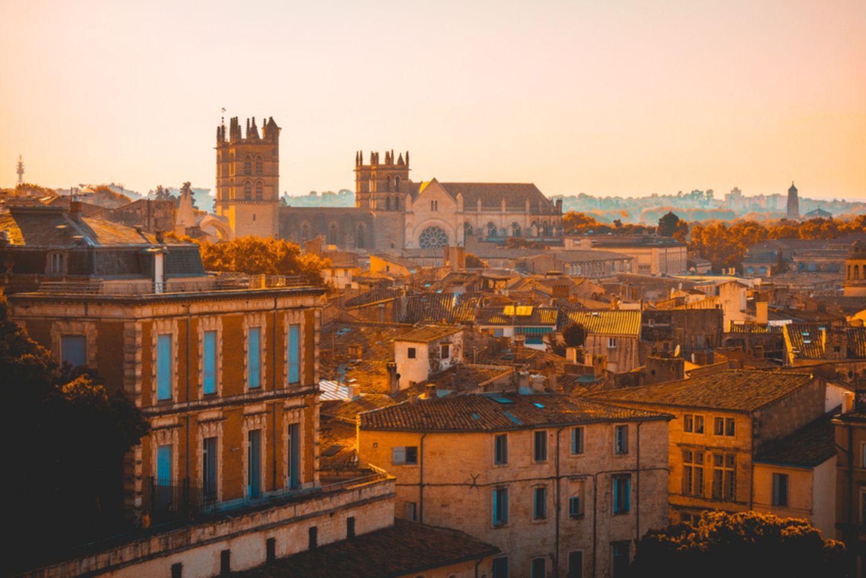 Montpellier im warmen Licht