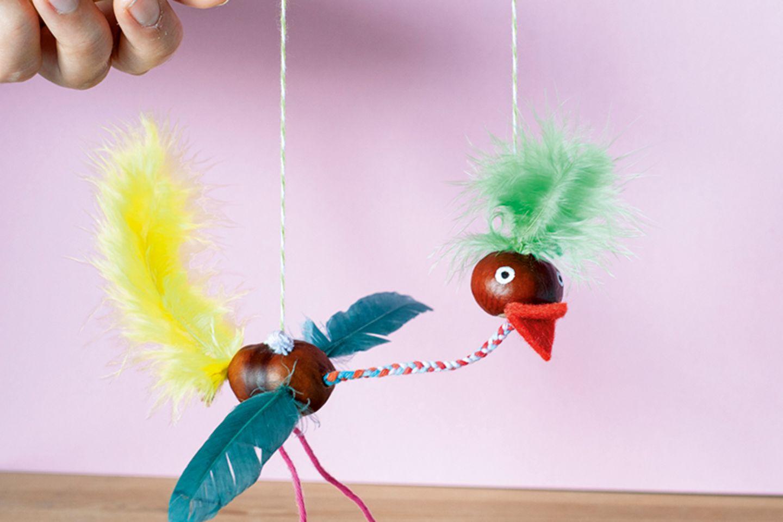 Anleitung Bastelt eine Vogel Marionette   [GEOLINO]
