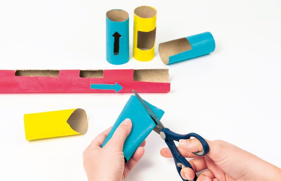 Kugelbahn aus Papprollen