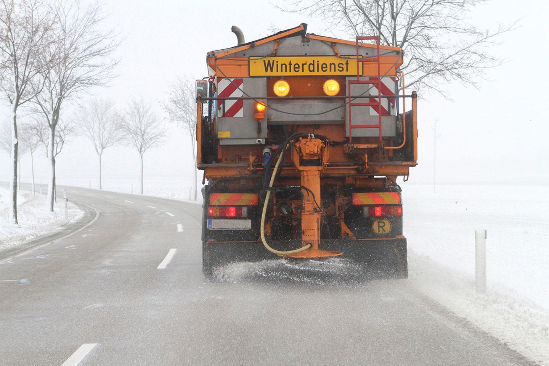 Winterdienst, Salzstreuung