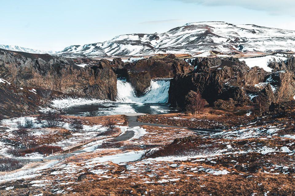 Hjalparfoss, Island