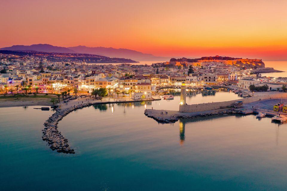 Rethymno auf der Insel Kreta am Abend