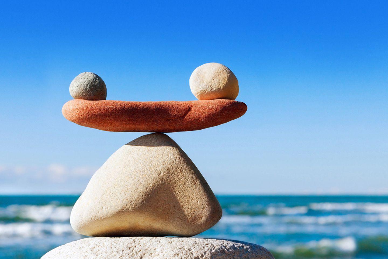 Gelassenheit: Mit Meditaton lassen sich belastende Gedanken und Gefühle besser und schneller in den Griff bekommen