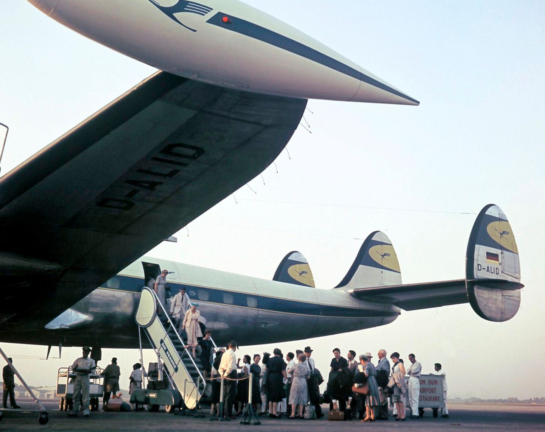 Die ersten Propellermaschine des später legendären Typs Lockheed Super Constellation