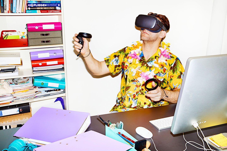 Selbstversuch: VR-Apps versprechen Erholung an virtuellen Zielen. Perfekt für den urlaubsreifen Autor. Doch erst muss er lernen, wie man einen Fuß vor den anderen setzt